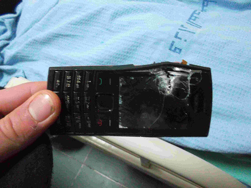 8.Ammar´s-mobile-phone-still-wasn´t-enough-to-stop-the-bullet