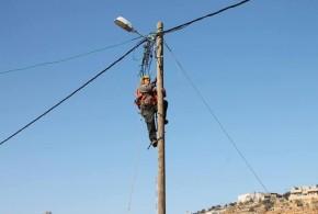 تقرير تلفزيون فلسطين ولقاء مع رئيس المجلس حول اخطار هدم شبكة الكهرباء 13.5.2015